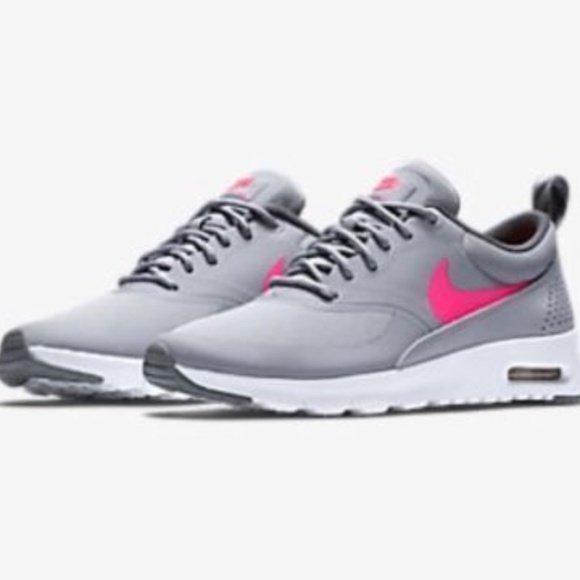 huge discount 0d8d8 e8c1c NIKE AIR MAX THEA SIZE 7 YOUTH   WOMEN S SIZE 8.5